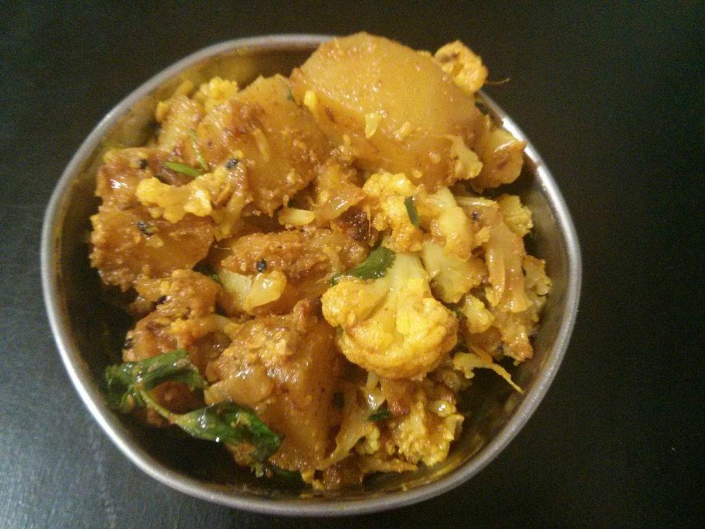 Aloo Gobi (potato and cauliflower) | WhitBit's Indian Kitchen